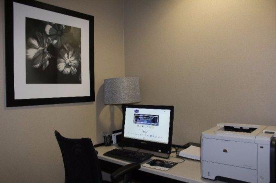 Hampton Inn Elizabethtown: Business Center