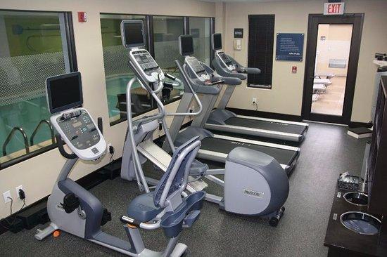 هامبتون إن اليزابيث كيه واي: Fitness Center