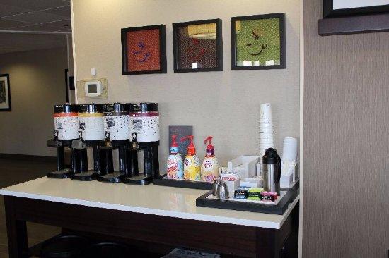 هامبتون إن اليزابيث كيه واي: Breakfast Beverages