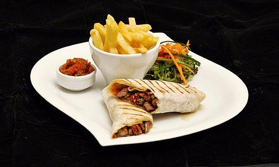 Pizzaara: Tavuklu&Etli Wrap - Wrap with Chicken&Beef