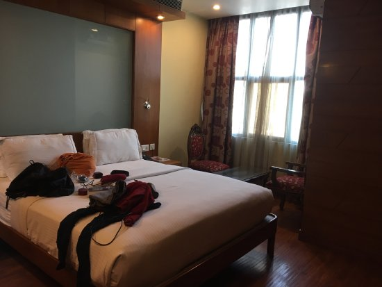 Emarald Hotel : The hotel was very central and reasonably priced. It was clean and spacious with all the necessa