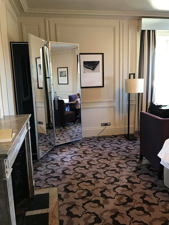 Waldorf Astoria Versailles - Trianon Palace: Chambre deluxe vue Parc d'angle