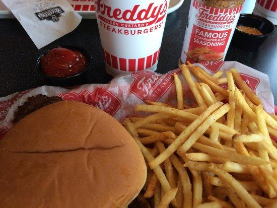 Columbus, IN: Single steakburger basket:-)