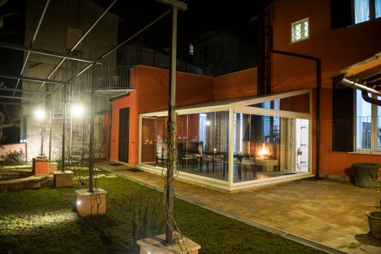 Casanise: Giardino di notte
