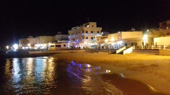 Rompeolas Restaurante - Fuerteventura -: Looking back towards the restaurant
