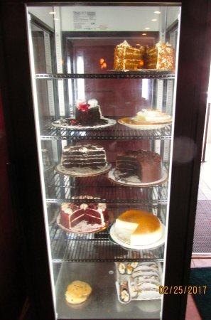 Dimitri's Family Restaurant: Cakes
