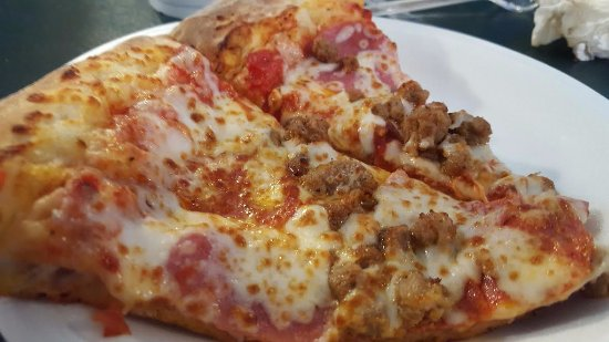 Somerset, TX: All-the-meats slices