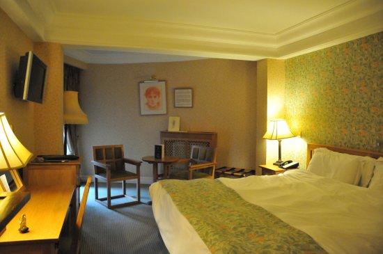 Schoolhouse Hotel: room from hallway