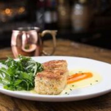 Judson's Steakhouse: Lump crab cakes