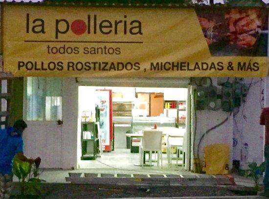 La Polleria: La pollería pollos rostizados (rotisserie chicken) y micheladas