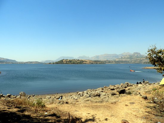 Bhandardara: Lake View