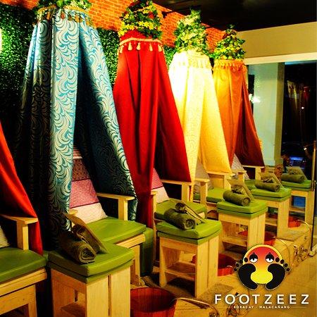 Footzee'z Spa of Boracay: Footzee'z interior