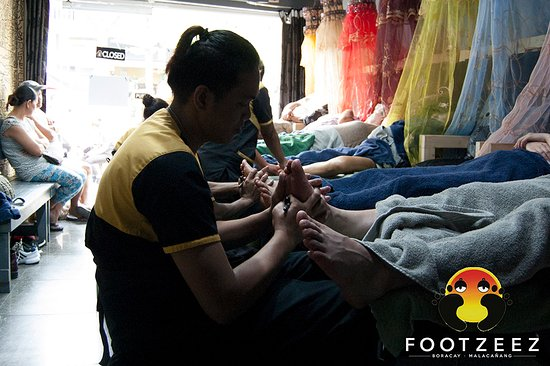 Footzee'z Spa of Boracay
