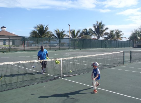 Holiday Inn Resort Montego Bay: Tennis Lesson with Jermaine