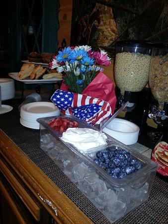 Ouray Inn: 4th of July Breakfast