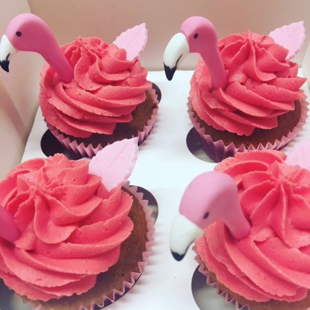 Hey Little Cupcake!: The Flamingo Cupcakes