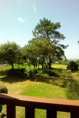 Albertville, France: vue de notre chambre, sur le golf