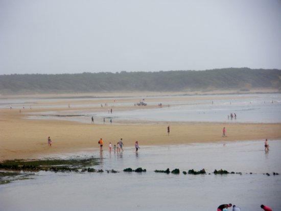 Albertville, France: vue de l'océan à marée basse lors d'une balade à pieds