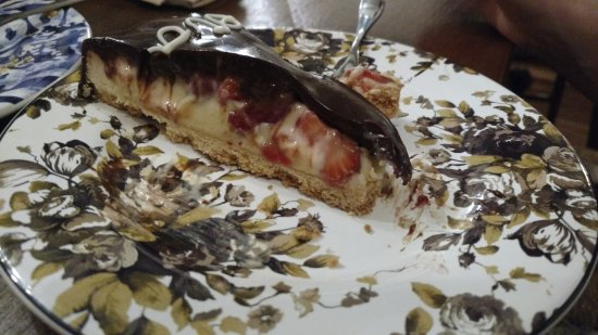 Frederica's Koffiehuis: Strawberry and chocolate pie