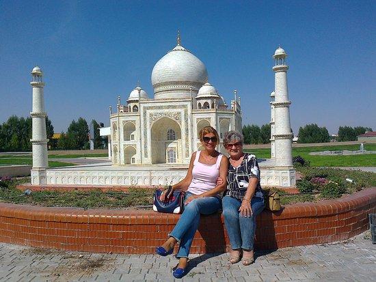 Sazova Park: eşim ve annem le miyatür park1