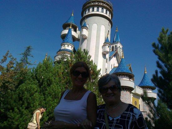 Sazova Park: eşim ve annem le masal şatosu