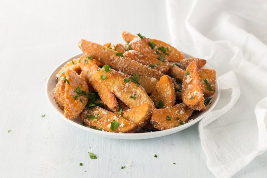 Alumni Grill: Garlic Parmesan Wedges