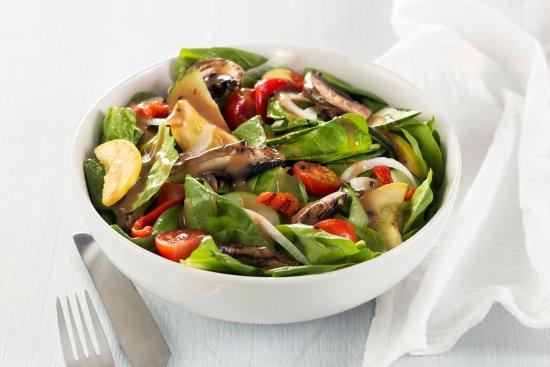Alumni Grill: Grilled Veggie Salad
