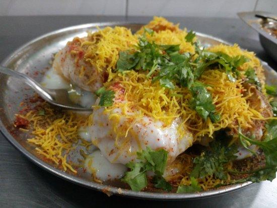 Gokul Chat Bhandar: dahi puri