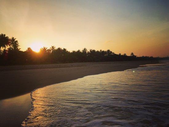 """Laluna Ayurveda Resort: ближайший пляж к отелю """"Laluna"""""""