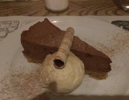 The Union Steakhouse: Chocolate cheesecake/torte with coffee ice cream