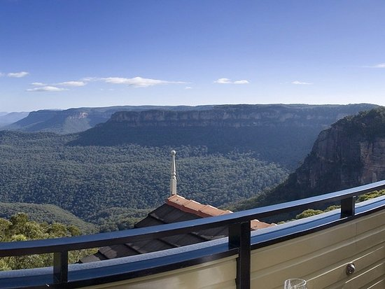 Echoes Restaurant - Blue Mountains: View from terrace