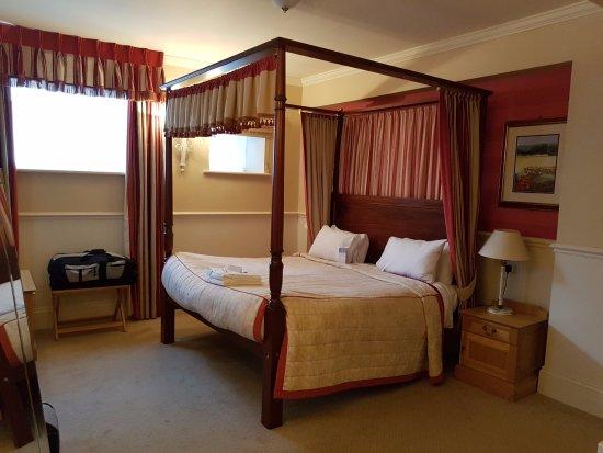 Warner Leisure Hotels Bodelwyddan Castle Historic Hotel: Royal Rooms Four poster