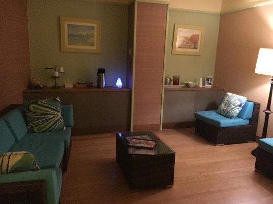 St. Kitts Marriott Resort & The Royal Beach Casino: Spa waiting area