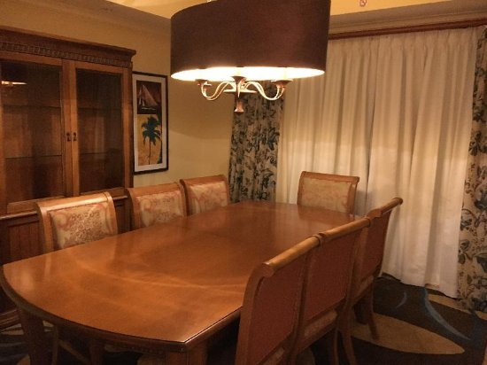 St. Kitts Marriott Resort & The Royal Beach Casino: dining room with seating for 8