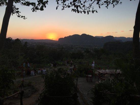 Finca Agroecologica El Paraiso: tramonto