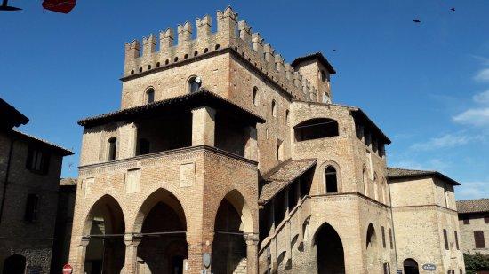 Palazzo del Podesta: Palazzo del Podestà