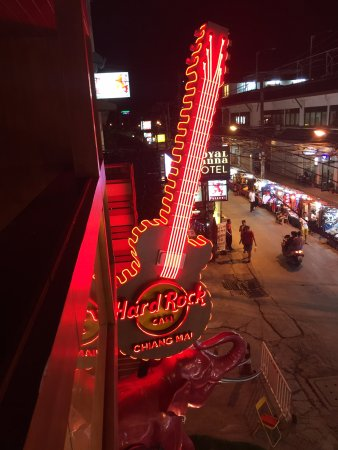 Hard Rock Cafe: View from upstairs