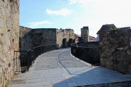 Lower Gate: Zona ponte