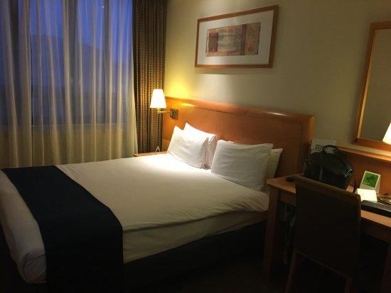 Holiday Inn London Kensington Forum Photo