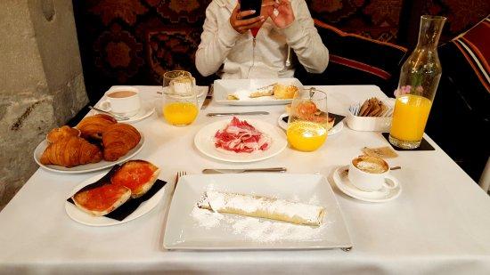 Hotel DO: Desayuno incluido