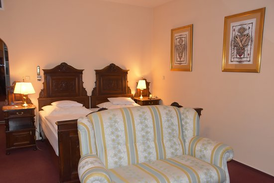 Pannonia Hotel: Our hotel room