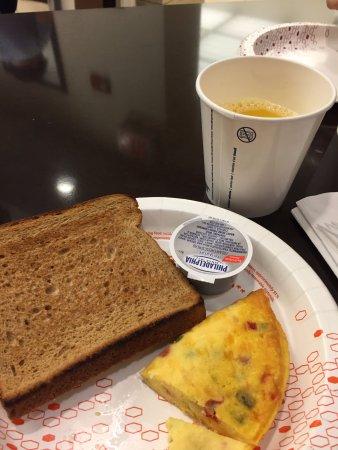 Hampton Inn Manhattan-Times Square North: café da manhã