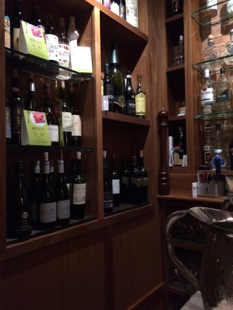 Trattoria Locanda: nice selection of wine and alcohol