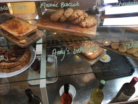 Callander, UK: Irresistible cakes