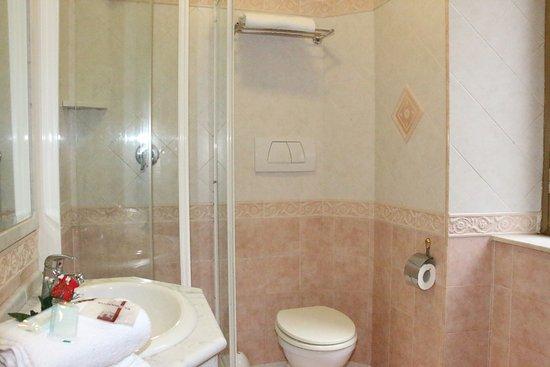 Hotel Mirage : BAGNO
