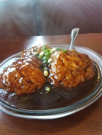 Liang's Garden Reasaurant: Jumbo shrimp egg foo young in a tasty brown sauce!
