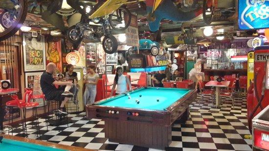 Filling Station Bar And Restaurant Makati
