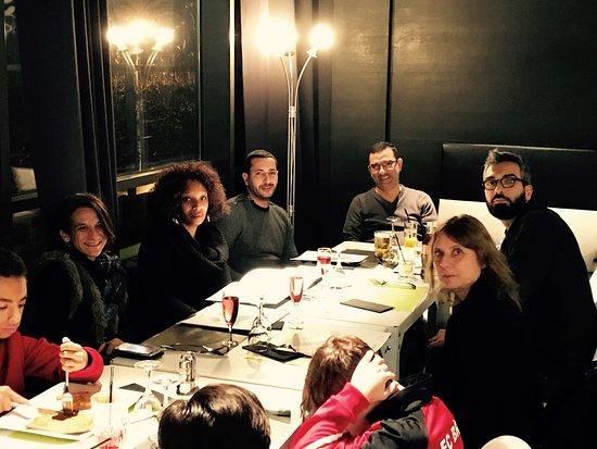 Bry-sur-Marne, Francia: Repas entre parents de footballeurs en herbe !