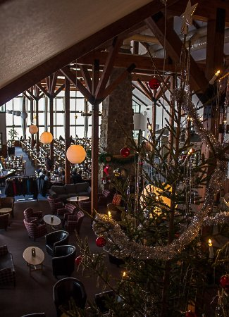 Ski Lodgens Lobby juletid / Ski Lodge lobby around Christmas