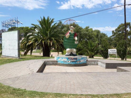 Pehuajo, Argentyna: Estatua a la Tortuga Manuelita